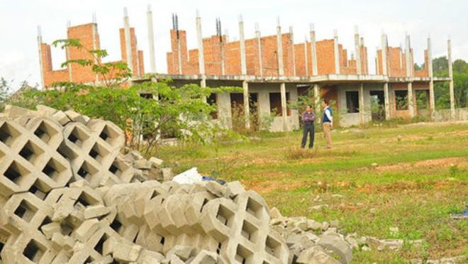 """Công trình Trung tâm Dạy nghề kiểu mẫu hoang tàn, xuống cấp sau gần hai năm """"đắp chiếu"""""""