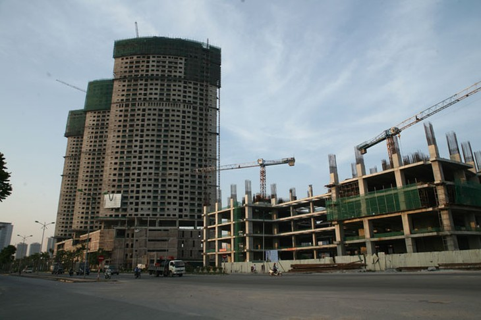 Từ năm 2010 đến tháng 6/2015, nhà thầu trong nước tham gia tất cả các gói thầu xây lắp tổ chức đấu thầu quốc tế, trong đó khoảng 20 gói thầu với tư cách là thầu phụ. Ảnh: Lê Tiên