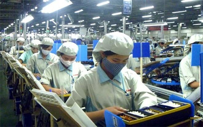 Theo báo của JETRO, có 32,4% doanh nghiệp Nhật Bản duy trì hoạt động sản xuất như hiện tại, 1,3% doanh nghiệp thu hẹp sản xuất, 0,2% doanh nghiệp dịch chuyển.