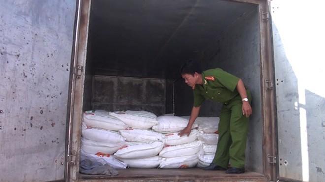 Đường cát nhập lậu do Công an tỉnh Long An bắt giữ. Nguồn Internet.