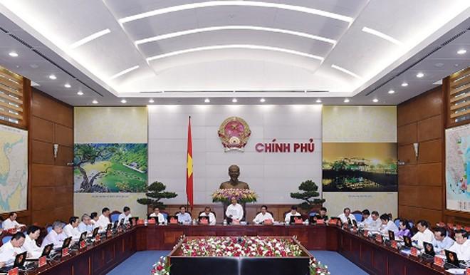 Thủ tướng Nguyễn Xuân Phúc chủ trì phiên họp Chính phủ thường kỳ tháng 4/2016. Ảnh: VGP/Quang Hiếu