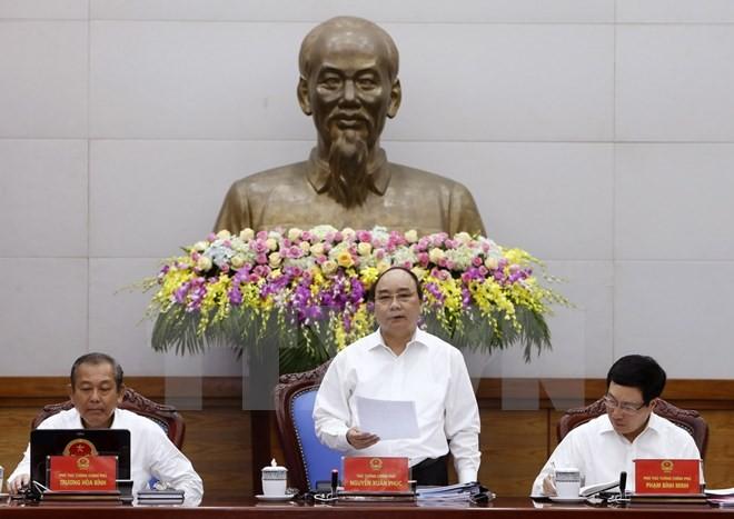 Thủ tướng Nguyễn Xuân Phúc chủ trì phiên họp Chính phủ thường kỳ tháng Tư. (Ảnh: Thống Nhất/TTXVN)