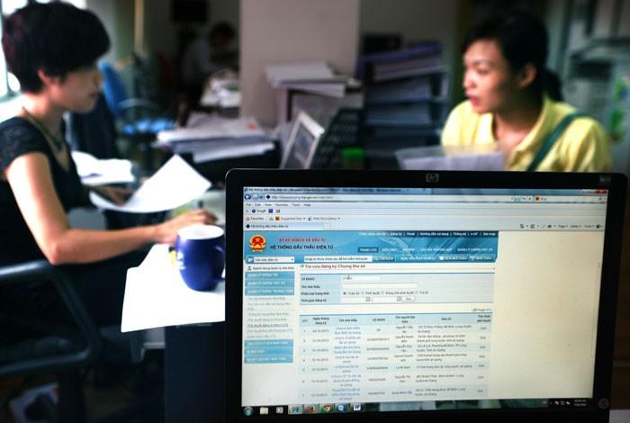 Đăng ký thông tin trên Hệ thống mạng đấu thầu quốc gia là điều kiện để nhà thầu, nhà đầu tư có tư cách hợp lệ. Ảnh: Lê Tiên
