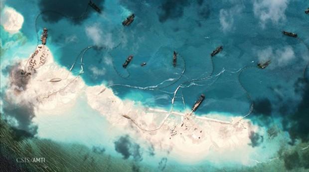 Trung Quốc bồi lấp trái phép đảo nhân tạo tại quần đảo Trường Sa của Việt Nam. Ảnh: CSIS