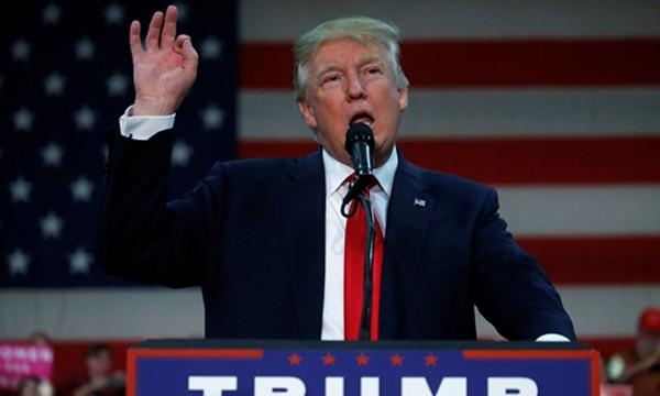 Trump chỉ trích Clinton, bênh Tổng thống Nga Putin