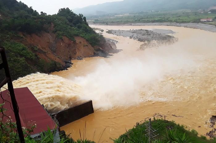 Chủ đầu tư Công trình Thủy điện Hố Hô bị xử lý vi phạm hành chính trong lĩnh vực an toàn đập. Ảnh: Văn Định