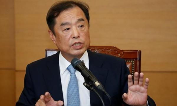 Thủ tướng Hàn Quốc Kim Byong-joon trong buổi họp báo chính thức đầu tiên diễn ra hôm nay. Ảnh: Reuters.