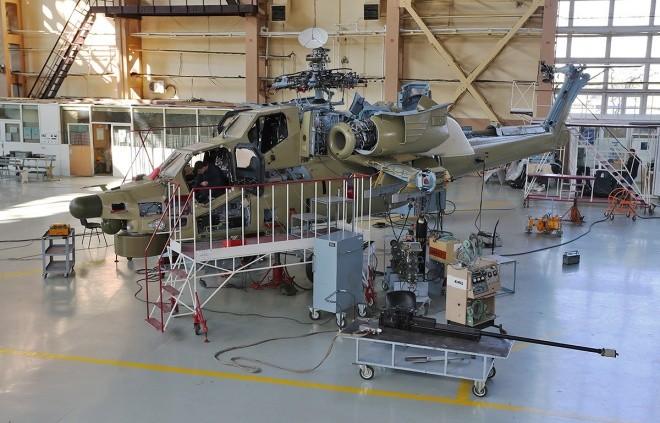 Bên trong nhà máy sản xuất trực thăng 'thợ săn đêm' Mi-28NE