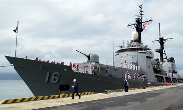 Tàu Hải quân Philippines cập cảng quốc tế Cam Ranh (Khánh Hòa). Ảnh:An Phước
