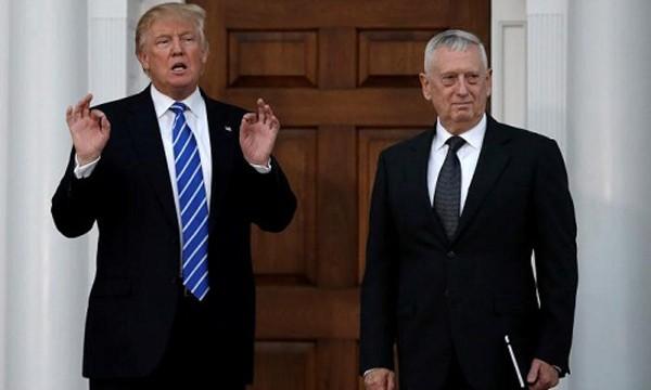 Tổng thống đắc cử Mỹ Donald Trumpvà Bộ trưởng Quốc phòng đề cửJames Mattis. Ảnh:Reuters
