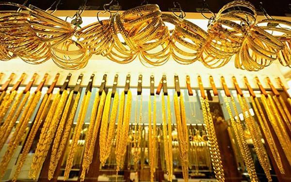 Giá vàng lao dốc mạnh từ đỉnh 3,5 tháng