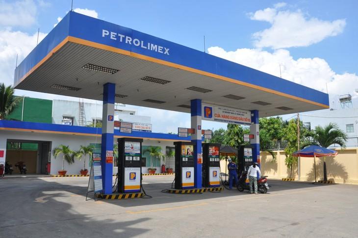 Lợi nhuận trước thuế hợp nhất lũy kế năm 2016 của Petrolimex đạt 6.300 tỷ đồng. Ảnh: Nhã Chi
