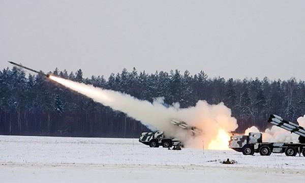 Tổ hợp BM-30 Smerch của Nga. Ảnh:Sputnik