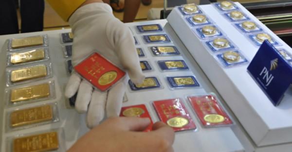 Giá vàng trong nướcsụt giảm theo diễn biến giá thế giới.