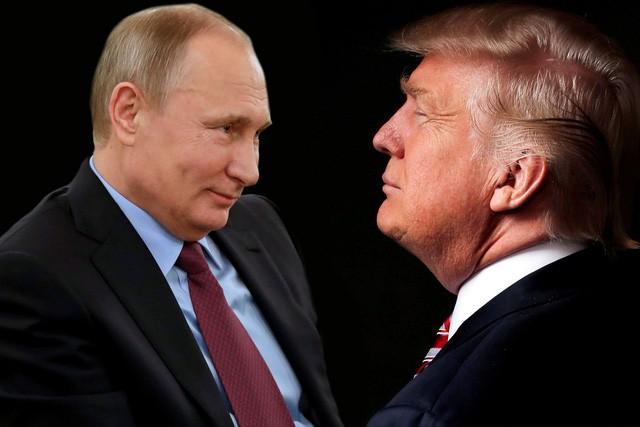 Tổng thống Mỹ Donald Trump (phải) và người đồng cấp Nga Vladimir Putin (Ảnh: New York Post)