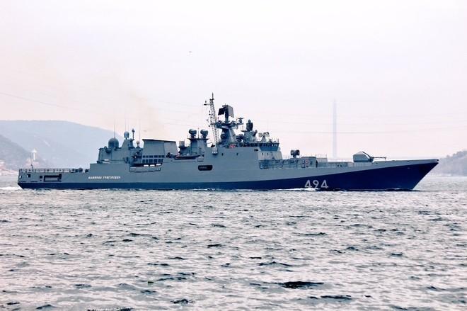 Tàu hộ vệ Nga vượt eo biển Thổ Nhĩ Kỳ tới Syria