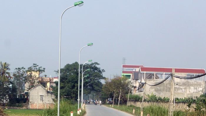 Nhà thầu cho rằng, việc phát hành HSMT 3 gói thầu xây dựng công trình Lắp đặt điện chiếu sáng công cộng tại Quảng Ngãi không minh bạch. Ảnh: Nhã Chi