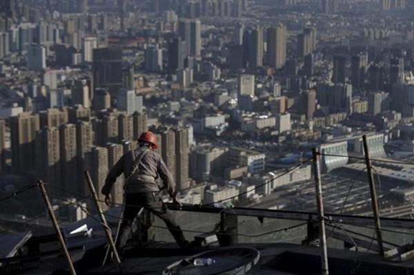 Mục tiêu tăng trưởng năm nay của Trung Quốc thấp hơn năm ngoái. Ảnh:Reuters
