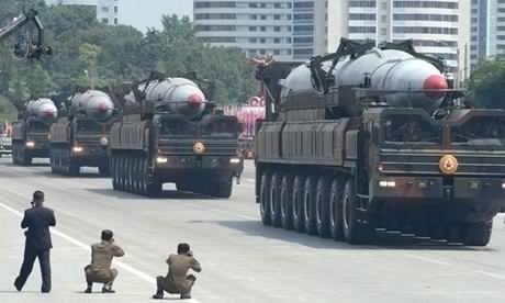 Tên lửa đạn đạo KN-08 của Triều Tiên. Ảnh: Kyodo News