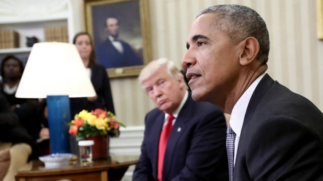 Tổng thống Donald Trump và người tiền nhiệm Barack Obama (Ảnh: Reuters)