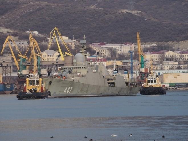 Chiến hạm tàng hình Gepard trầy trụa sau đợt thử nghiệm vũ khí trên biển
