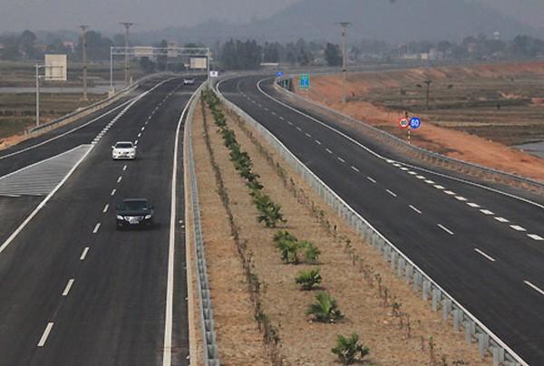 Việt Nam đang chuẩn bị đầu tư nhiều tuyến cao tốc. Ảnh:Đ.Loan