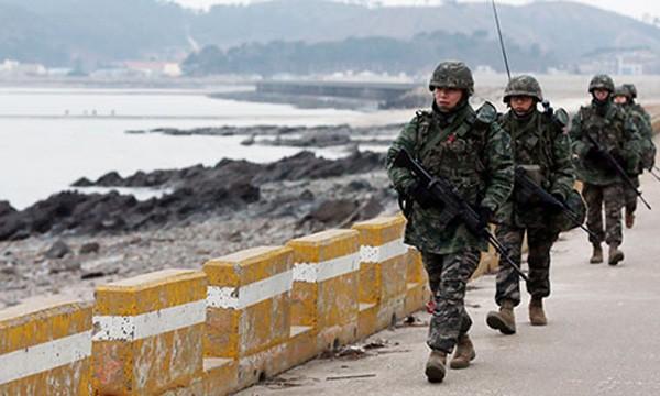 Binh lính Hàn Quốc được yêu cầu cảnh giác về động thái từ Triều Tiên. Ảnh:Yonhap