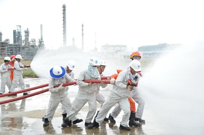 Công ty Lọc hóa dầu Bình Sơn lấy đào tạo phòng cháy chữa cháy là ưu tiên hàng đầu