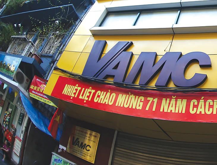 VAMC có thể được giảm giá khởi điểm của khoản nợ xấu sau 1 lần đấu giá không thành công. Ảnh: Nhã Chi