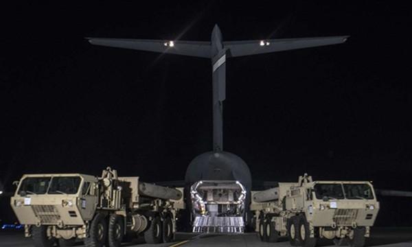 Mỹ đưa các thiết bị trong hệ thống THAAD tới Hàn Quốc vào tuần trước. Ảnh:Xinhua