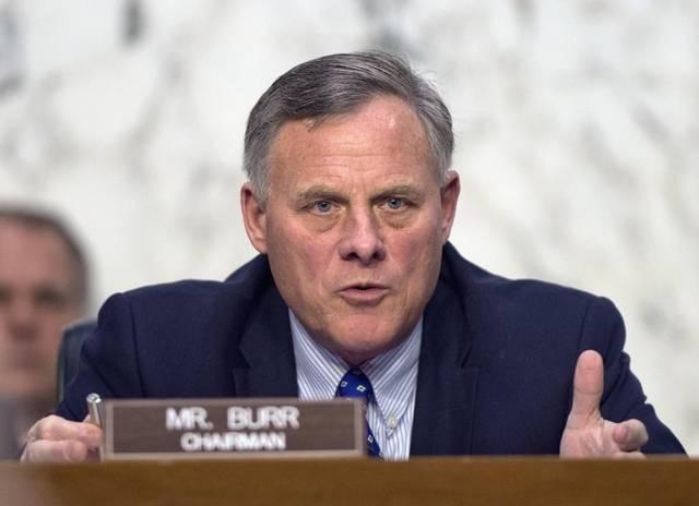 Thượng nghị sĩ Richard Burr (Ảnh: CNP)