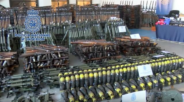 Một phần trong lô vũ khí khổng lồ bị cảnh sát châu Âu và Tây Ban Nha thu giữ hồi tháng 1 (Ảnh: RT)