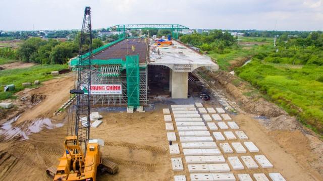 Dự án cao tốc Bến Lức - Long Thành đạt tiến độ tổng thể 46%, dự kiến hoàn thành vào năm 2019 (ảnh: Tạp chí GTVT)