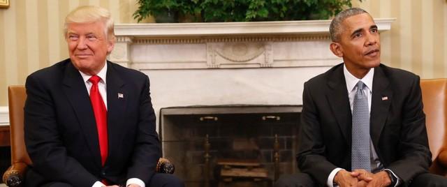 Tổng thống Donald Trump (trái) và người tiền nhiệm Barack Obama (Ảnh: Getty)