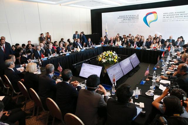 Đại diện các nước tham gia hội nghị tại Chile ngày 15/3 (Ảnh: Reuters)