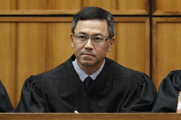 Thẩm phán liên bang Mỹ Derrick Kahala Watson. Ảnh:staradvertiser