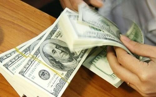 Fed quyết định tăng lãi suất cơ bản đồng USD lên 1%/năm đã kéo giá USD lại quay đầu sụt giảm so với các đồng tiền chủ chốt khác.