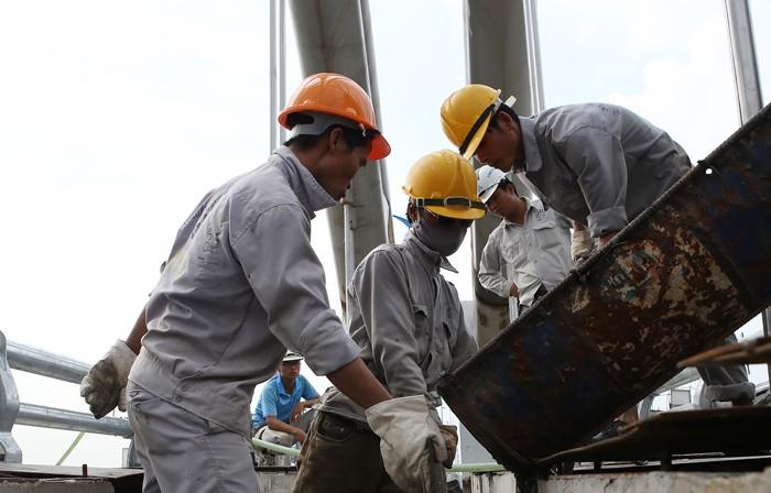 Luật Cạnh tranh của Việt Nam cấm tuyệt đối thỏa thuận thông thầu. Ảnh: Tường Lâm