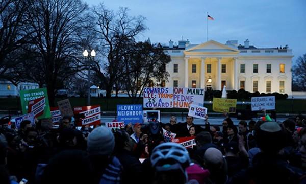Người biểu tình phản đối lệnh cấm nhập cảnh thứ hai của Tổng thống Mỹ Donald Trump. Ảnh:Reuters