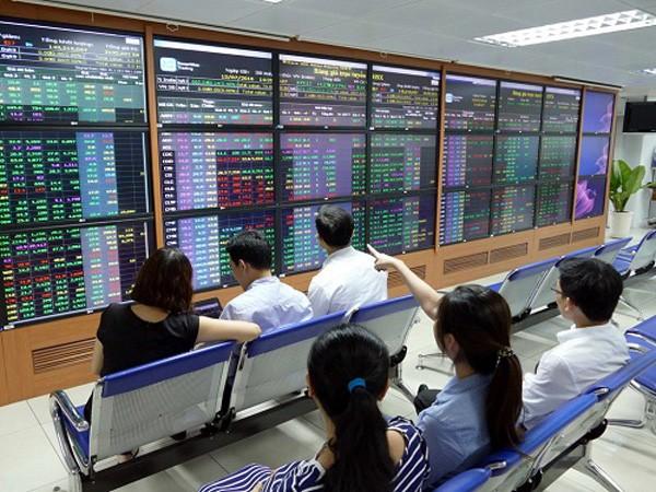 Nhiều phiên đáu giá cổ phần tại một số ngân hàng chưa niêm yết đã không thành công do không có nhà đầu tư đăng ký tham gia.