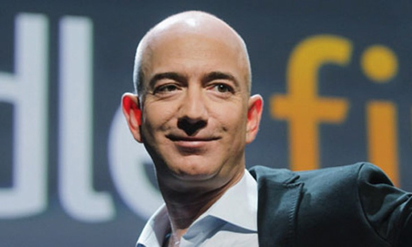Không tỷ phú nào có một năm tốt hơn CEO Amazon -Jeff Bezos.