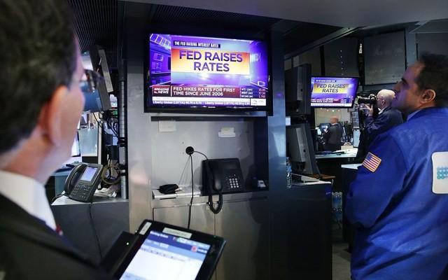 FED tăng lãi suất được cho là tác động gia tăng nợ, xuất khẩu bị ảnh hưởng bởi chính sách bảo hộ thị trường (ảnh minh hoạ)