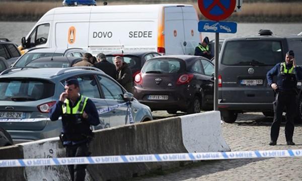 Cảnh sát Bỉ phong tỏa hiện trường. Ảnh:CNN