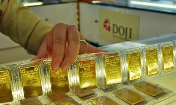 Nhu cầu giao dịch yếu khiến giá vàng trong nước ít biến động. Ảnh:PV.