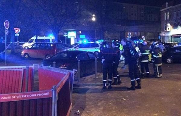 Cảnh sát tại hiện trường vụ xả súng. Ảnh:La Voix Du Nord