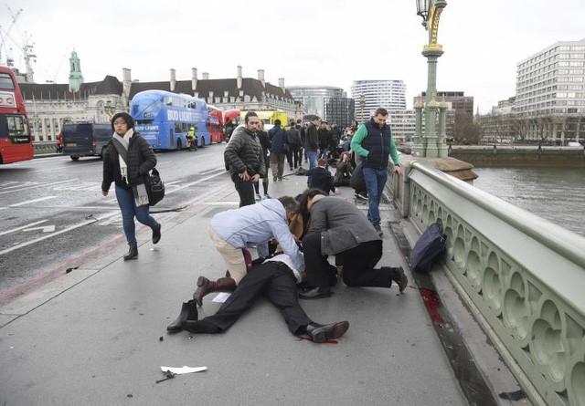 Vụ khủng bố London khiến ít nhất 4 người thiệt mạng, 29 người bị thương. (Ảnh: Reuters)