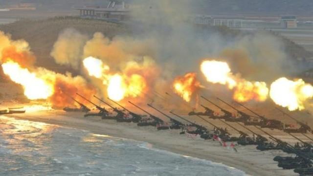 Bức ảnh chụp một cuộc diễn tập bắn pháo tầm xa của Triều Tiên do hãng thông tấn KCNA công bố (Ảnh: KCNA)