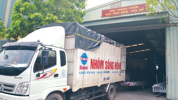 Với doanh thu 1.000 tỷ đồng/năm, Shalumi là doanh nghiệp sản xuất nhôm trong nước có quy mô lớn nhất hiện nay. Ảnh: Ngân Giang