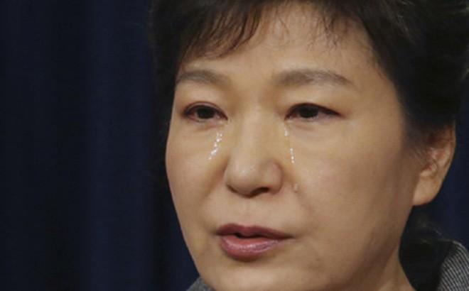 Cuộc đời bi kịch của bà Park Geun-hye từ Nhà Xanh tới song sắt nhà lao