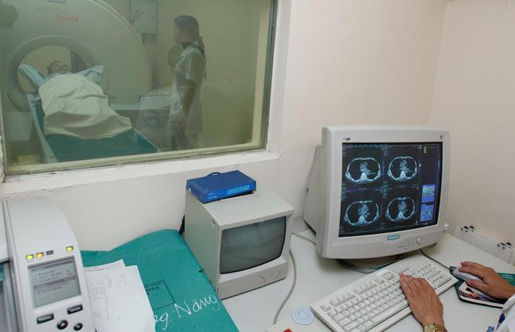 Hợp đồng thiếu chặt chẽ, bệnh viện công bị đòi bồi thường